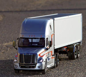 Review: Tamiya Freightliner Cascadia Evolution