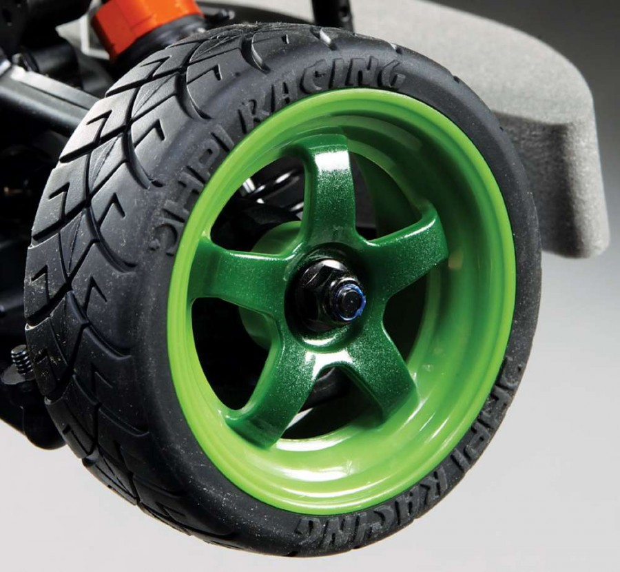 HPI gets a thumbs up for going the extra mile and detailing the rims in two tones of green.